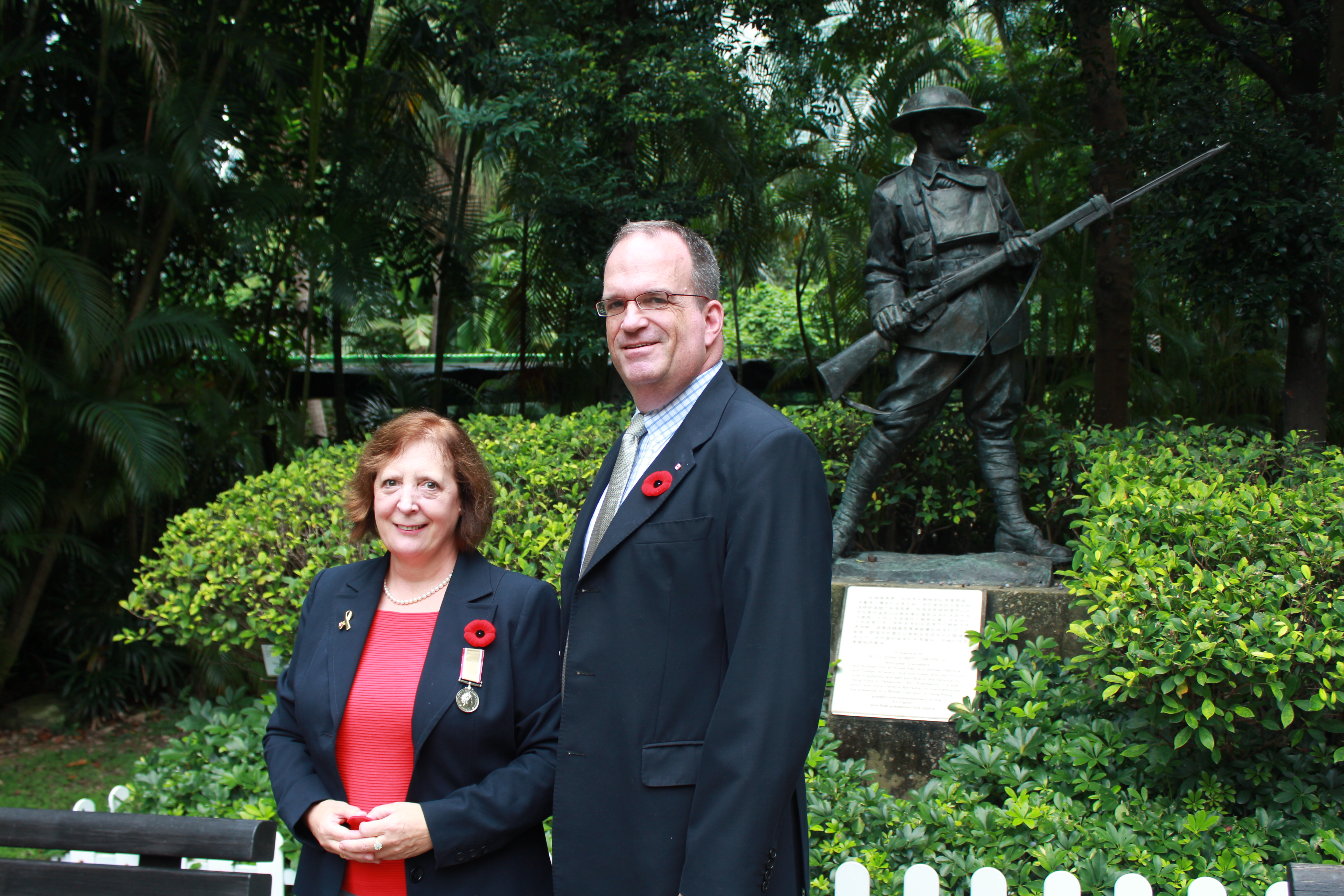 Reportage: Canadian CG commemorates Canadian WWII Hero